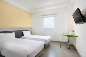 Amaris Hotel Pettarani Makassar - Smart Room Twin (SMT)