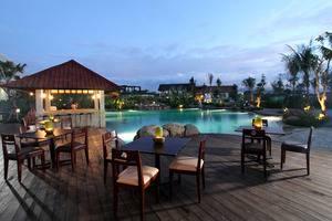 Sutan Raja Hotel  Manado - Swimming Pool