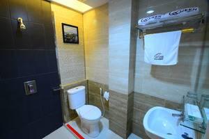 Queen City Hotel Banjarmasin - KAMAR MANDI KAMAR SUPERIOR