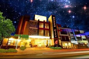 Queen City Hotel Banjarmasin - TAMPAK LUAR