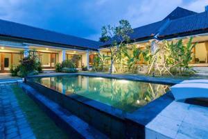 Tinggal Standard Raya Batu Bidak Kerobokan Bali - Kolam Renang
