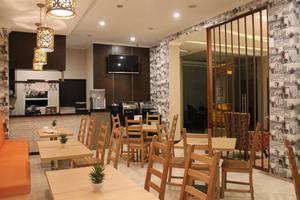Fontana Hotel Jakarta - Lounge