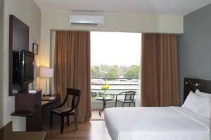 Hotel Santika TMII Jakarta - Kamar Superior dengan Teras