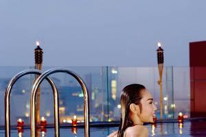 Atria Hotel Gading Serpong South Tangerang - Kolam Renang