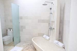 Anema Villa Seminyak - Kamar mandi