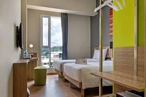 Whiz Prime Hotel Ahmad Yani Lampung - Kamar Superior Twin