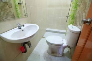 Java Land Hotel Yogyakarta - Kamar mandi