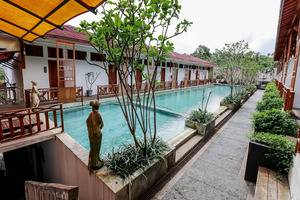 NIDA Rooms Puncak KM 65 Megamendung - Kolam Renang