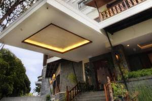 Sukajadi Hotel Bandung - Hotel Entrance