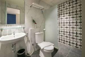 Hotel 88 Kedungsari ( Kedungdoro ) Surabaya - Kamar mandi
