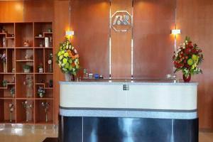 Hotel Bintang Redannte Garut - Receptionist