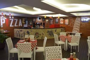 The Alana Yogyakarta Hotel Yogyakarta - Numero Uno Pizza