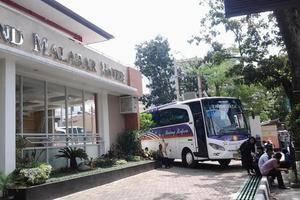 Grand Malabar Hotel Bandung - AREA PARKIR DAN TAMAN MINI