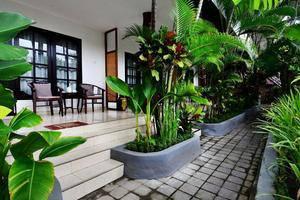 Sarinande Hotel Bali - Terraces & Garden