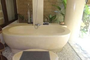 Puri Cantik Ubud Bali - Kamar mandi