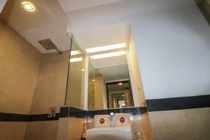 NIDA Rooms Pasar Kembang 49 Kraton - Kamar mandi