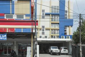 RedDoorz near Terminal Joyoboyo Surabaya -