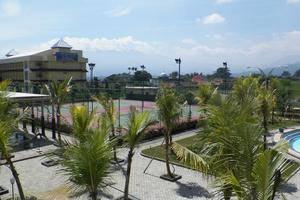 Sutan Raja Hotel Bandung - Eksterior