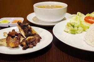 Hotel Raffleshom Bandung - Food & Beverage