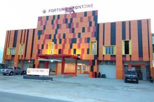Fortune Front One Hotel Kendari Kendari - gedung