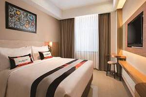 Yellow Star Ambarukmo Hotel Yogyakarta - Simple Room