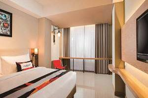 Yellow Star Ambarukmo Hotel Yogyakarta - Star Suite