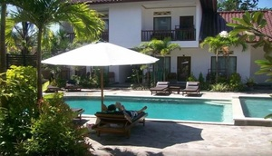 Family House Lombok - pool