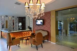 Anaya Home Hotel Medan - Lobi