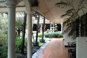 Palm Hotel Bondowoso - view