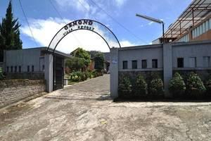 Osmond Villa & Resort Bandung - Eksterior
