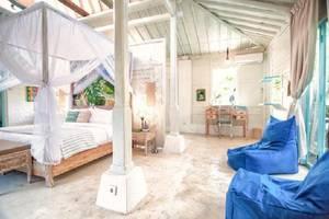 SooBali Atap Putih Seminyak - pemandangan di kamar tidur