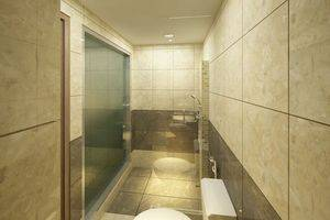 Travellers Hotel Phinisi Makassar - Kamar mandi