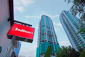 RedDoorz @Setiabudi Eight Jakarta - Eksterior