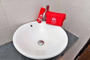 ZEN Rooms Mataram Airlangga Lombok - wastafel kamar mandi
