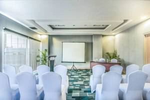 Pesonna Hotel Makassar - Meeting Room