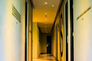 Hotel Cleo Surabaya - KORIDOR