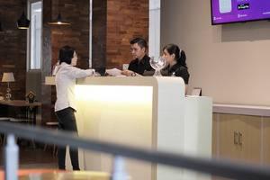 Hotel Cleo Surabaya - Resepsionis