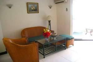 Losari Metro Hotel Makassar - Area Tempat Duduk