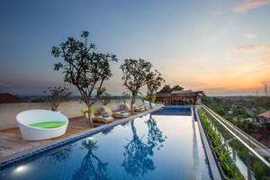 MaxOneHotels at Ubud Bali - Sky Max pool