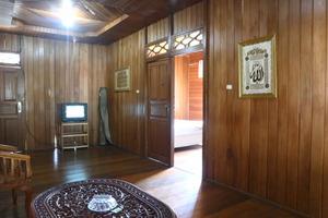 New Sabrina Hotel Bogor - ruang keluarga