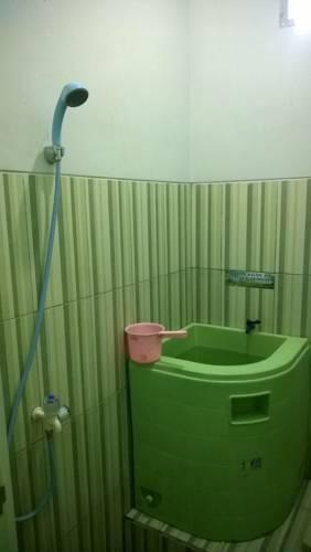 Hotel Syariah Lamongan Lamongan - shower