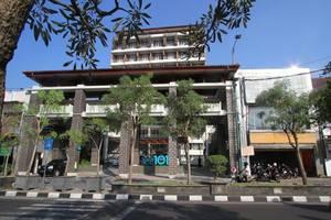 THE 1O1 Yogyakarta Tugu Jogja - Tampilan Luar Hotel