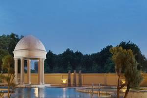 Best Western Plus Kemayoran Hotel Jakarta - Swimming Pool
