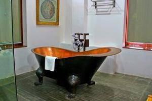 Tegal Panggung Guest House Yogyakarta - BathRoom