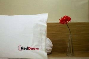 RedDoorz @ Mataram Kuta Bali - Kamar tamu