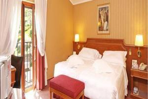 Oasis Hotel Belitung - room