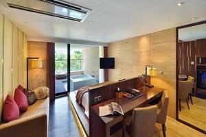 Golden Tulip Devins Hotel Seminyak - Premier Jacuzi