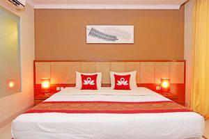 ZEN Premium Ubud Pengosekan 2 Bali - Tampak tempat tidur double
