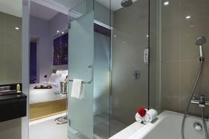 G Suites Hotel Surabaya - Kamar mandi