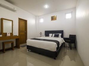 OYO 2939 Guest House Rosa Near RS Sartika Asih